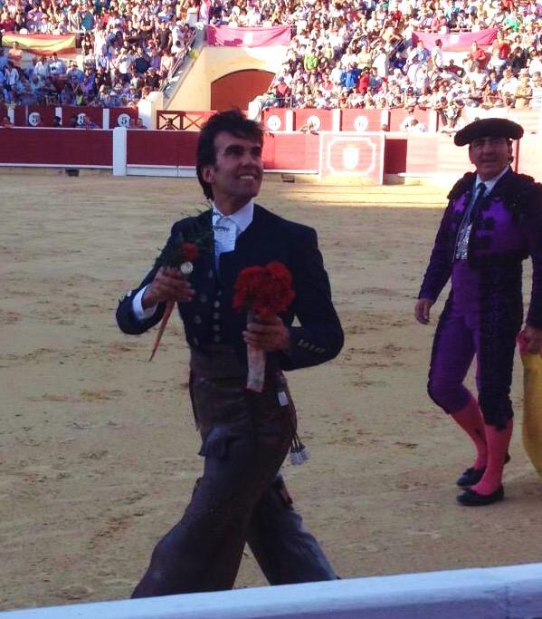 SERGIO GALÁN  CORTA UNA OREJA EN LA FERIA DE ALBACETE.