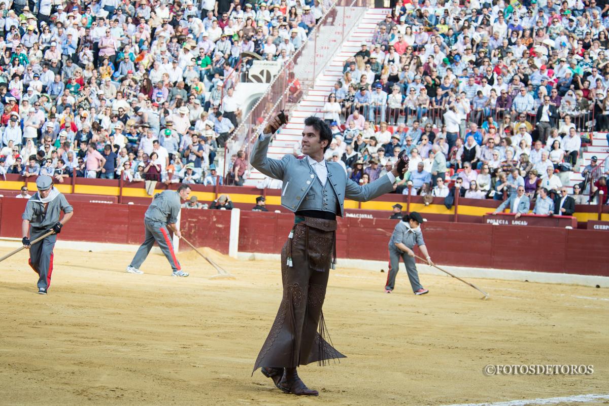 Sergio Galán triunfa por una buena causa.