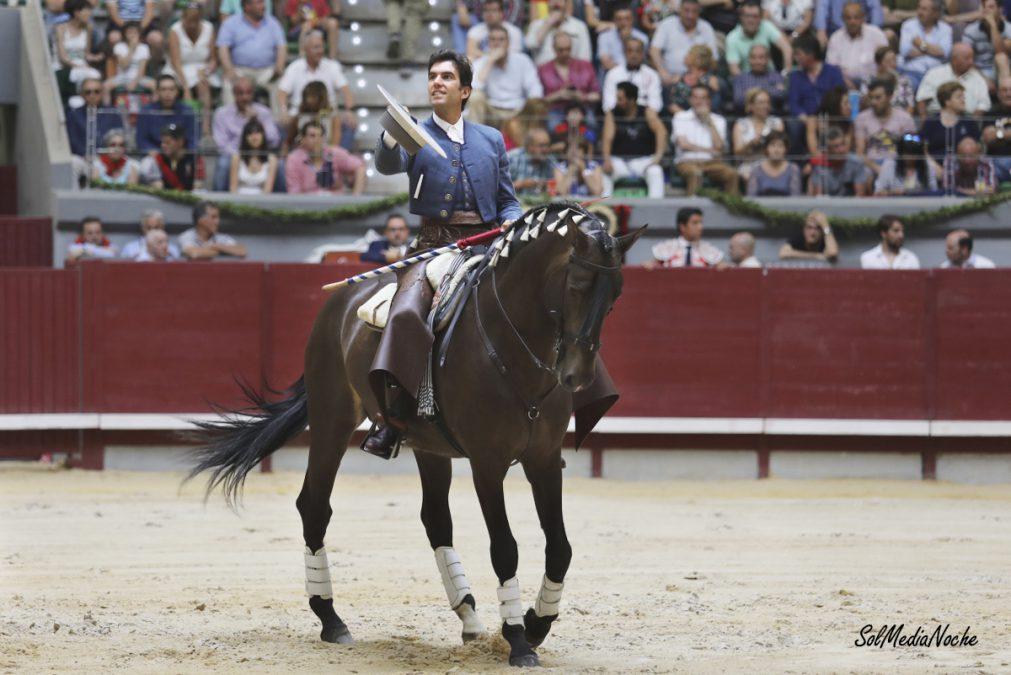 Ovación para Galán en Burgos